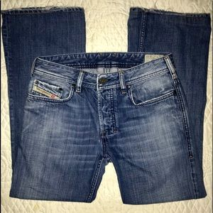 DIESEL JEANS Made in Italy. Bootcut. 27